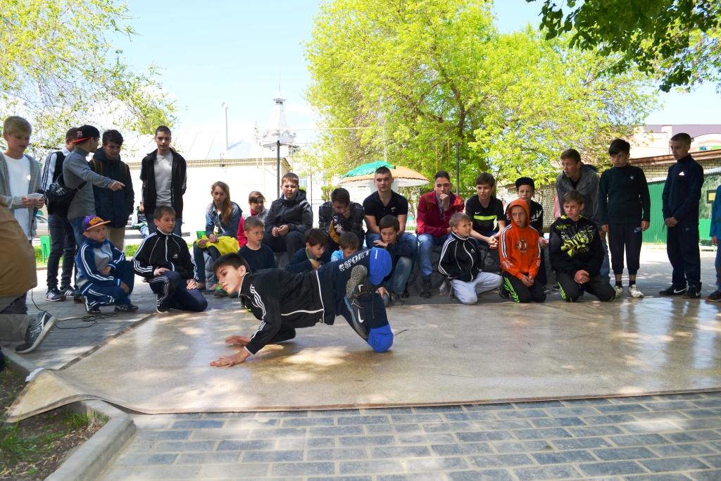 Хвалынск. Майский фестиваль уличных субкультур под эгидой КПРФ