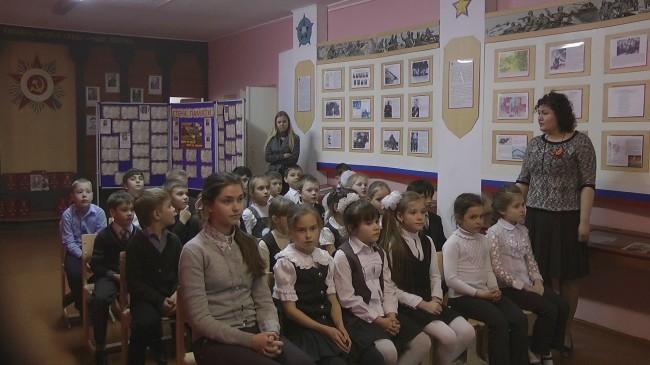 Коммунисты города Балаково провели награждение победителей районного конкурса рисунка «Мир и война глазами ребенка»