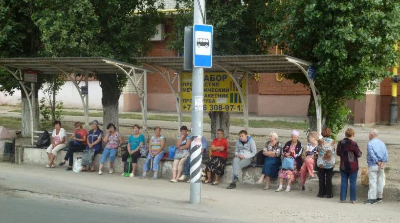 Режим самоизоляции для работающих пожилых саратовцев продлили сразу на две недели