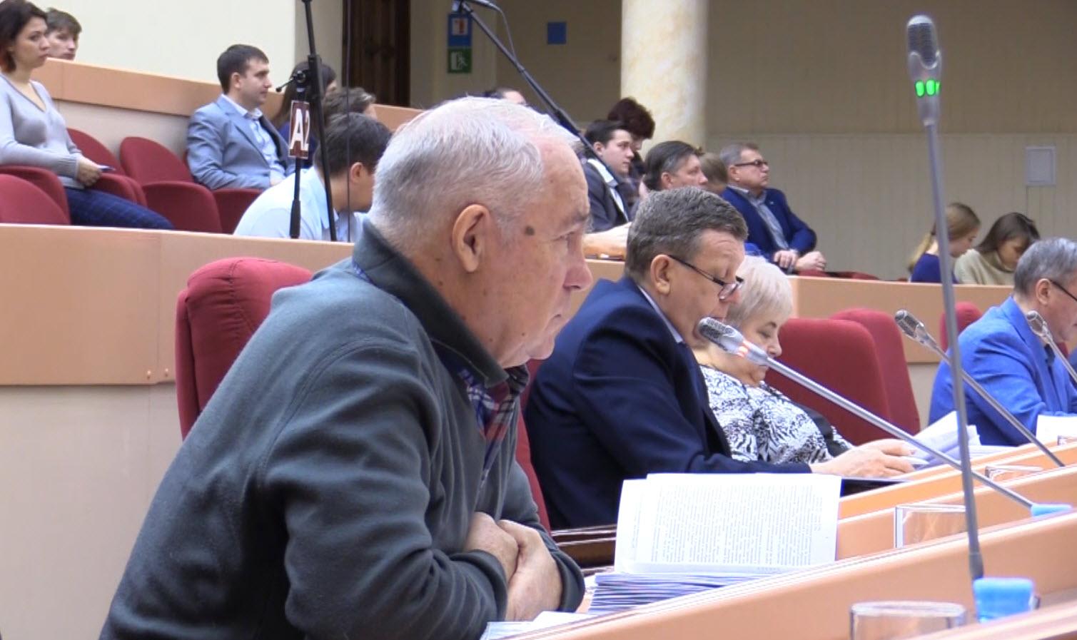 Андрей Карасёв голосовал против нищенского бюджета Саратова