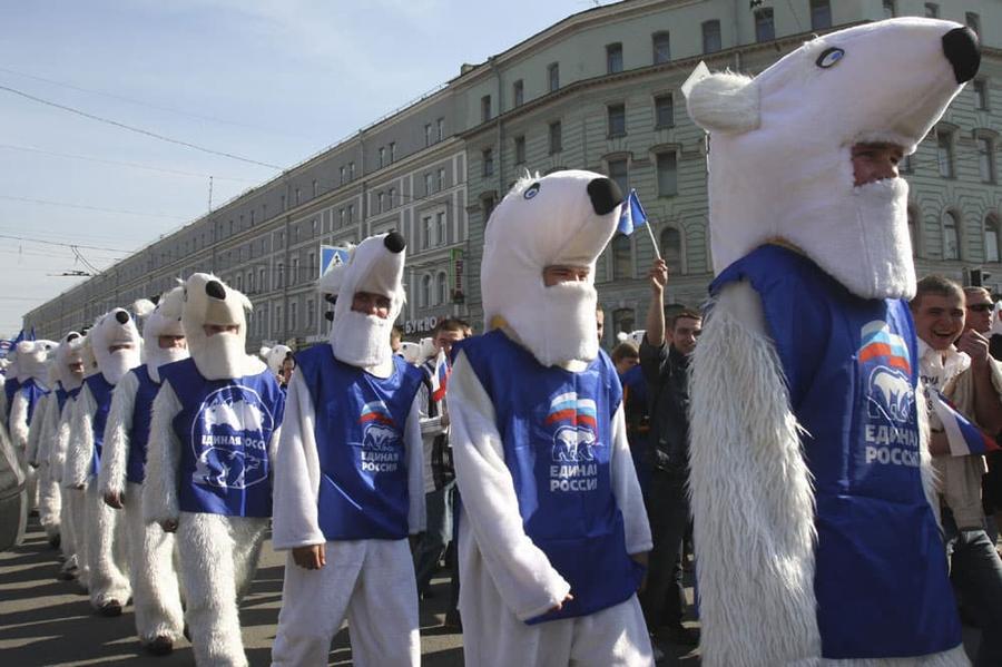 Сергей Обухов про продолжающийся наезд на КПРФ и контуры двухпартийной системы