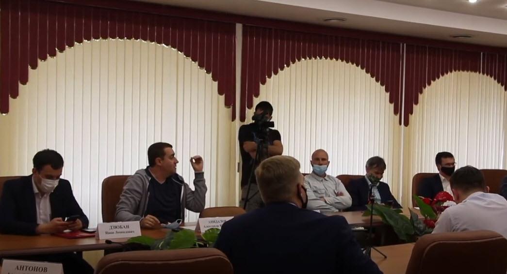 Саратов. Депутаты коммунисты против незаконного спила деревьев