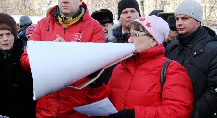 Ольга Алимова провела встречу с саратовцами