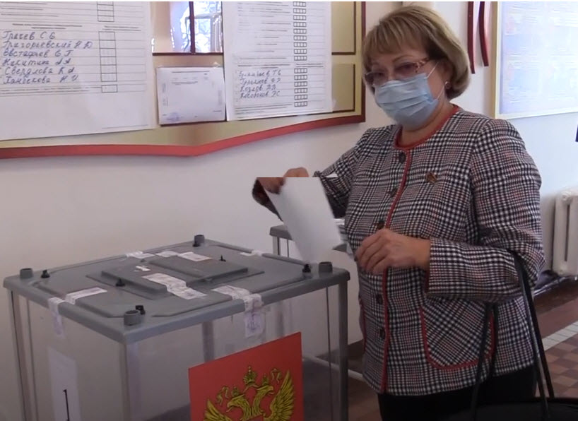 В Саратовской области проходят «выборы на пеньках»
