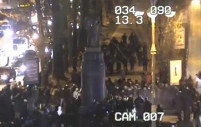 Националисты попытались снести памятник Ленину в Киеве