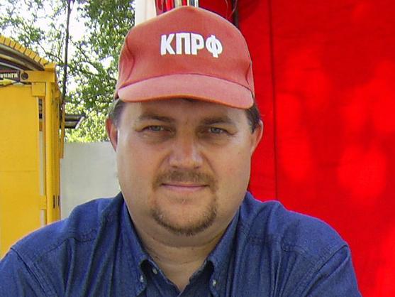 Коммунисту Дмитрию Сорокину заблокировали зарплатную карточку