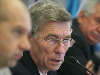 Коммунист призвал депутатов признаться в нежелании ругаться с региональными властями