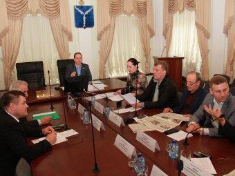 Депутат Денис Шумихин потребовал от мэрии проверить магазин на СХИ