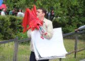 Депутат на митинге Навального: Власти Саратова установили детскую площадку за 9 миллионов рублей