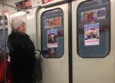 Неизвестные развесили в метро Петербурга провокационные плакаты с Путиным и Медведевым