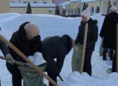 «Субботник» в школе №95. Глава районного отдела образования уволена