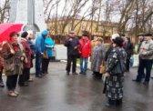 Балашов. Цветы к памятнику В.И. Ленину