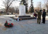 Коммунисты Новоузенского РК КПРФ провели ремонт памятникаВ.И.Ленину