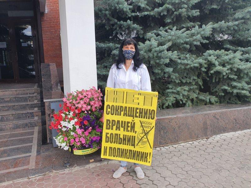 Депутат защитил женщину от полиции