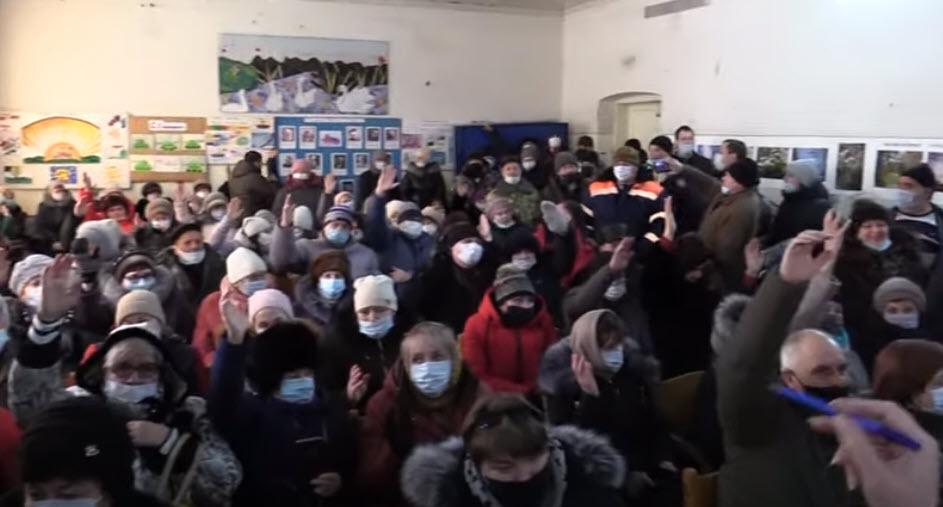 Скандал на публичных слушаниях по присоединению сёл Саратовского района к областному центру