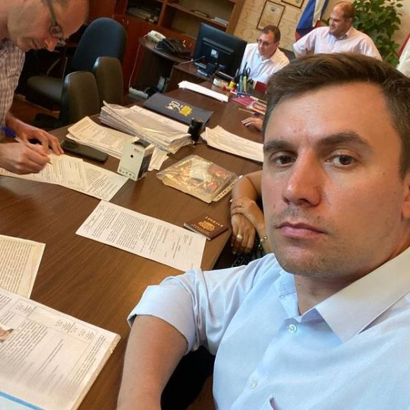 Николай Бондаренко сдал документы для выдвижения кандидатом в депутаты ГД РФ