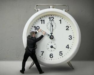 Чиновничьи «игры» со временем