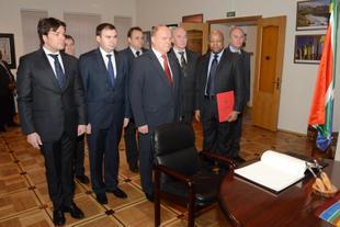 Г.А. Зюганов в посольстве ЮАР выразил соболезнования в связи с кончиной Нельсона Манделы