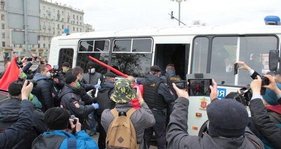 Незаконно задержанных 9 мая депутатов в Москве от КПРФ продолжают преследовать