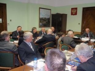 Коммунисты в Госдуме провели круглый стол на тему решения проблем отечественного авиадвигателестроения
