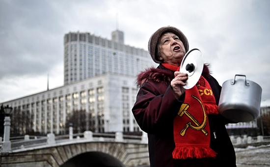 «Марш пустых кастрюль» за отставку Медведева. Видео KPRF.TV