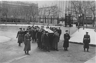 И.И. Мельников: Установление в России Дня неизвестного солдата особенно важно в современных условиях