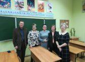 Ольга Алимова встретилась со школьными друзьями