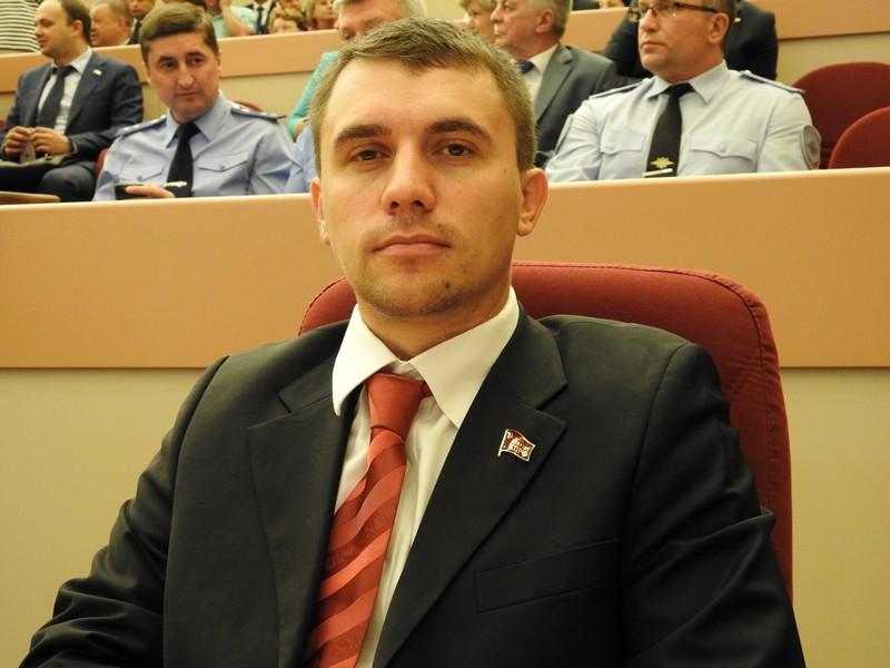 Севший на «министерскую диету» саратовский депутат сбросил 5 кг за две недели