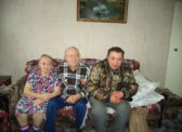 Озинские коммунисты наградили ветеранов памятными медалями ЦК КПРФ