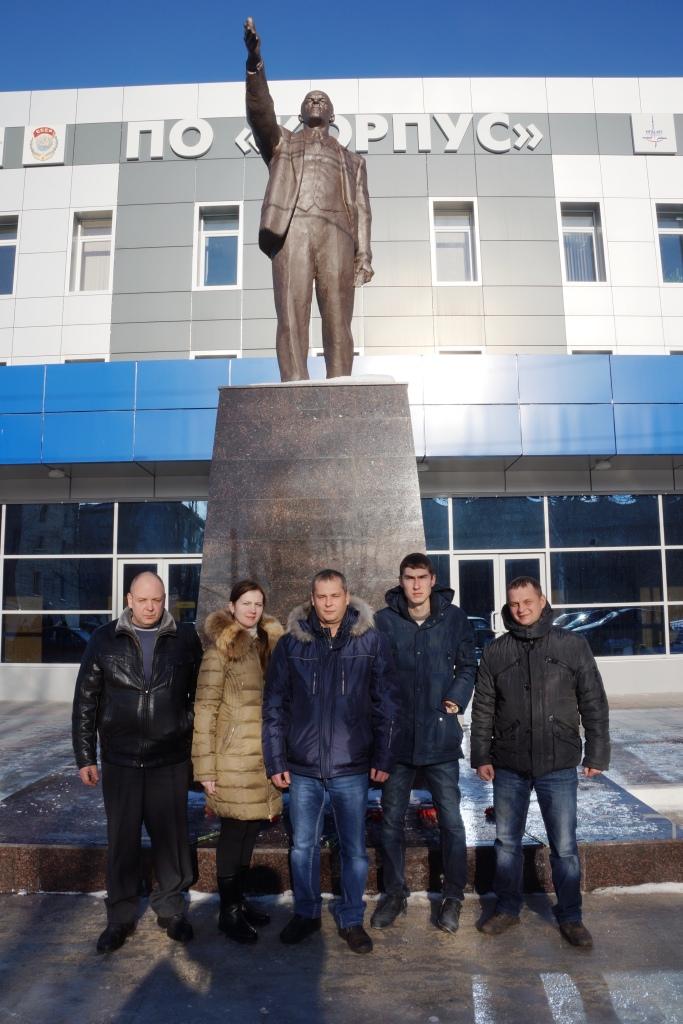 Коммунисты Кировского района почтили память вождя Октябрьской революции – Владимира Ильича Ленина
