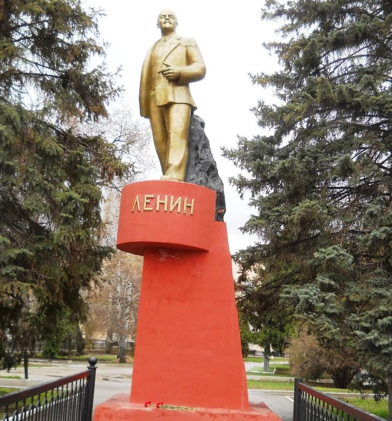 Цветы В.И.Ленину
