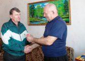 Валерий Шахновский вручил памятную медаль «100 лет Красной Армии»