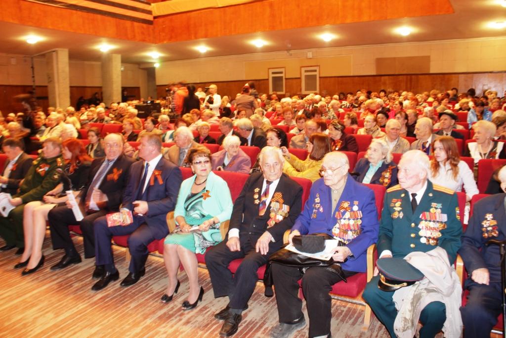 Ольга Алимова поздравила ветеранов с юбилеем Великой Победы
