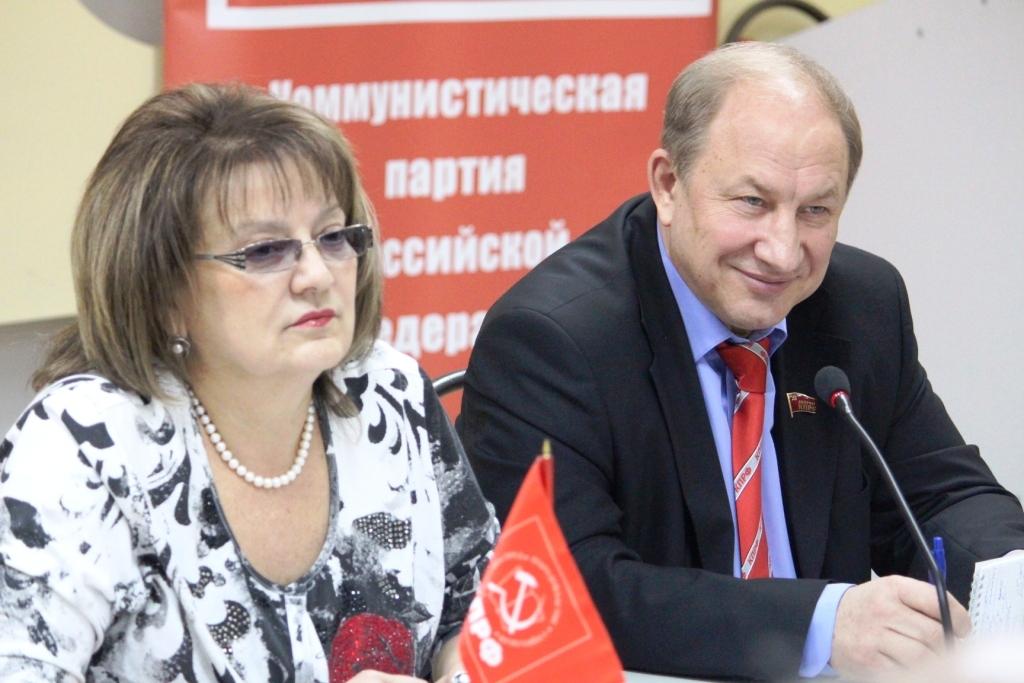 Депутаты КПРФ уверены, что кризис в России неизбежен