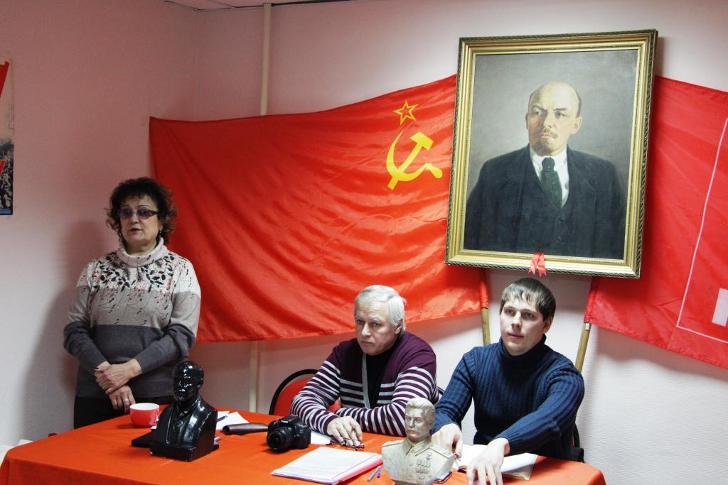 Ольга Алимова встретилась с активистами Энгельсского отделения КПРФ
