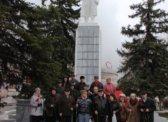 Идеи и дела Ленина живут и побеждают