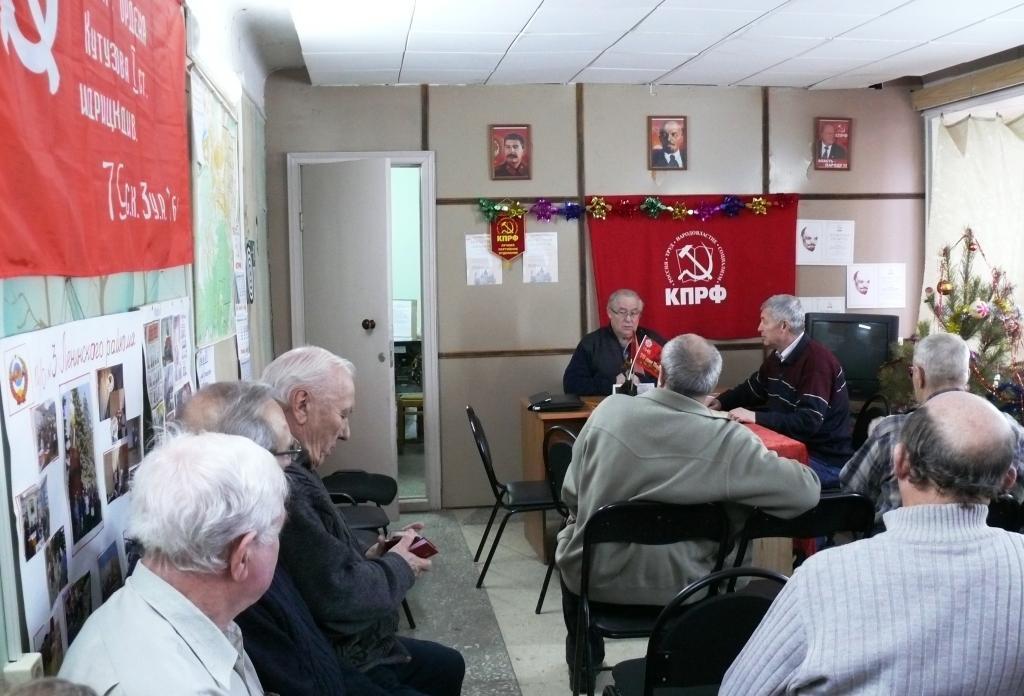 Советские офицеры: Нет денег в бюджете на оборону, пора трясти олигархов!