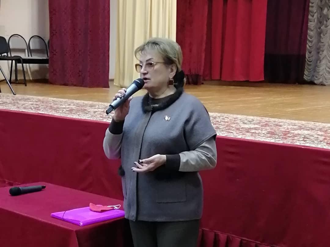 Ольга Алимова в один день посетила несколько поселков Саратовского района