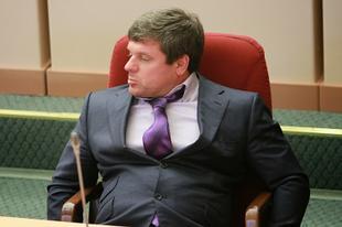 В.Ф. Рашкин и С.П. Обухов потребовали от правоохранительных органов провести проверку на причастность к криминалу саратовского депутата-единоросса Альберта Старенко