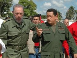Фидель Кастро рад возвращению Чавеса на родину
