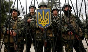 Солдаты воинской части в Луганске оставляют оружие и сдаются народному ополчению