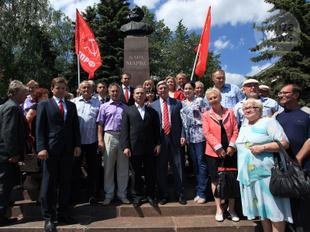 И.И. Мельников принял участие в церемонии открытия памятника Карлу Марксу в Пензе