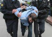 Пугачёв. Глава района М. Садчиков привлек полицию для разгона одиночных пикетов