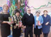 Петровские депутаты-коммунисты поздравили детей с наступающим Новым Годом