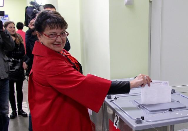 Ольга Алимова голосовала за партию победителя — За КПРФ!