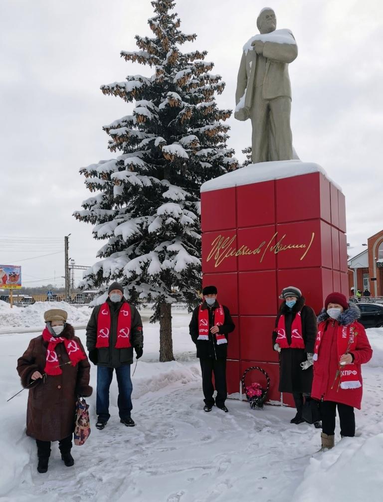 Балашов. Возложение цветов к памятникам В.И. Ленину