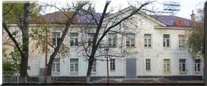 На УИК №200 приехал представитель облизбиркома. На месте находятся кандидаты от КПРФ и «Единой России»
