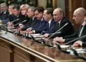Власть в России захватили олигархи, ради которых Путин и Медведев ведут декоммунизацию