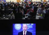 «Всенародная любовь» к Путину ужалась до предпротестного уровня
