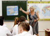 Правительство Медведева не даст регионам поднять зарплаты учителям и врачам